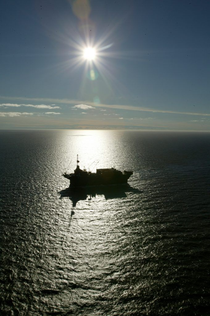 Navio SDC, perfurando no Mar de Beaufort