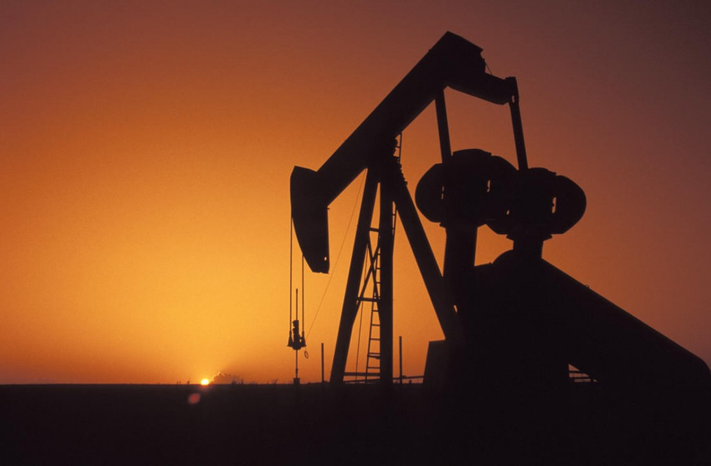 oil_rig_at_sunset