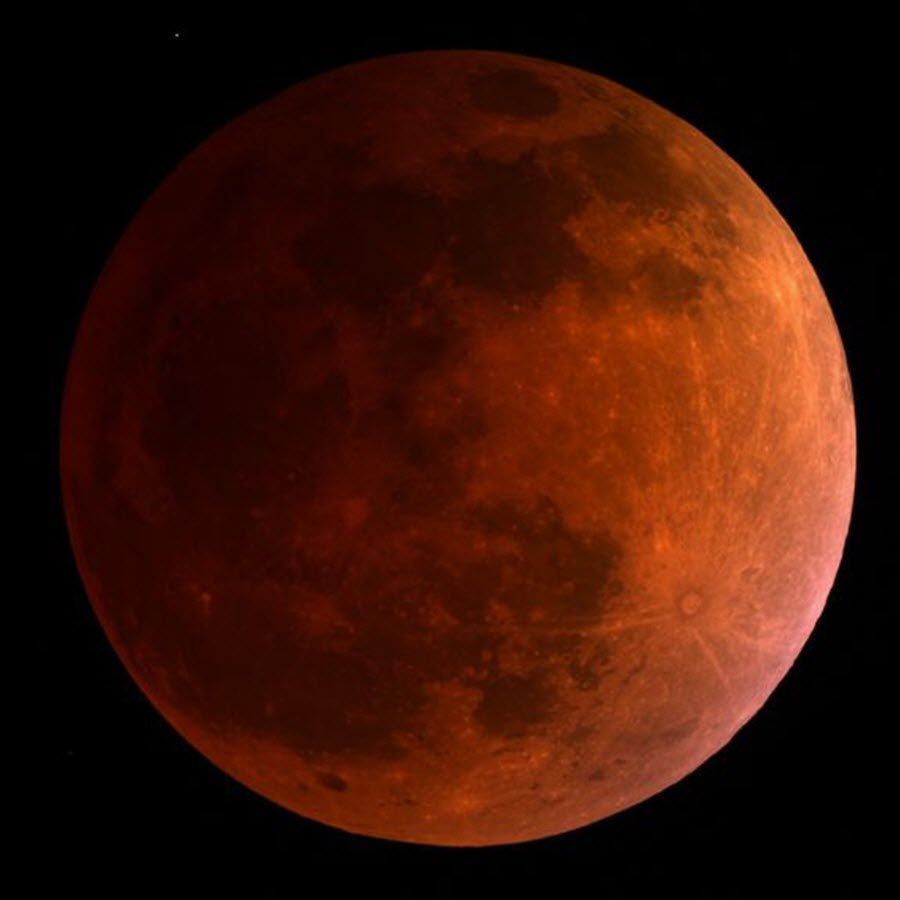 galery_blood_moon_01