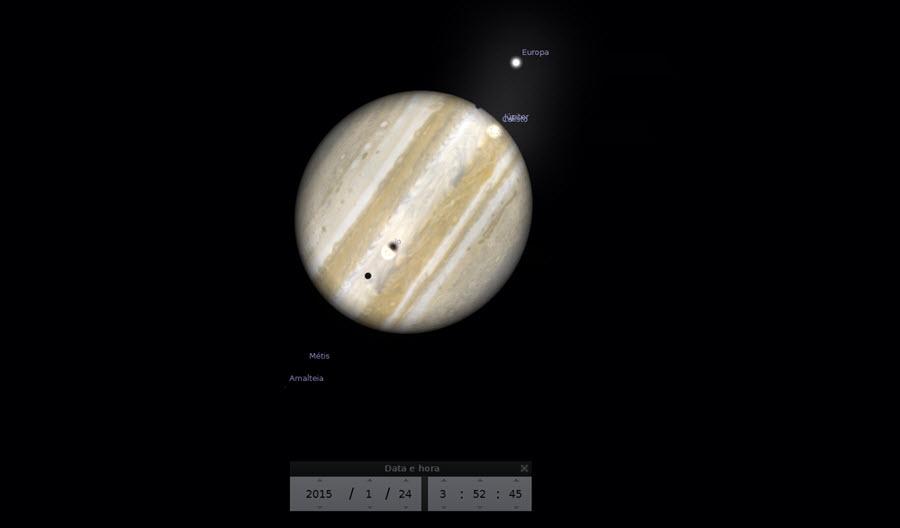 03:52 - Inicio do trânsito triplo, sombra da lua Europa começa a transitar o disco de Júpiter.