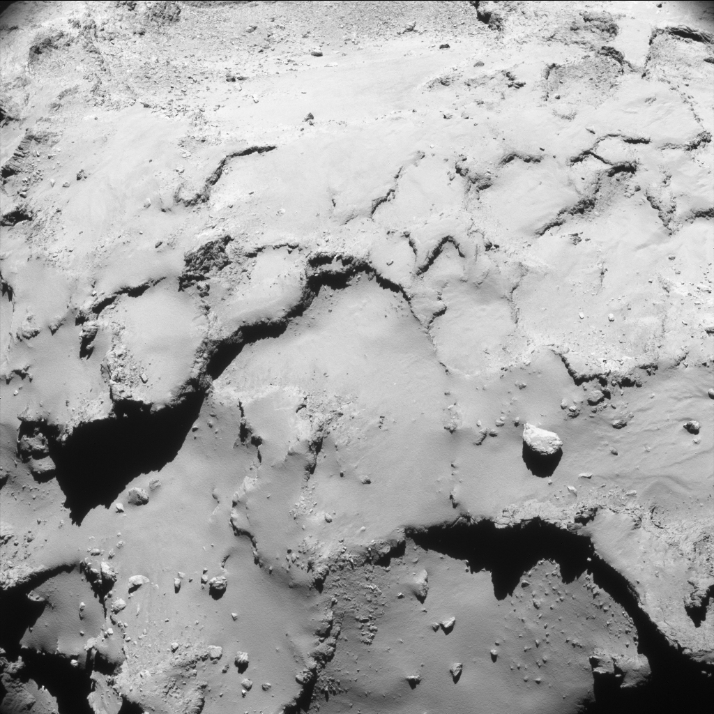 comet_from_17-4_km_navcam-1